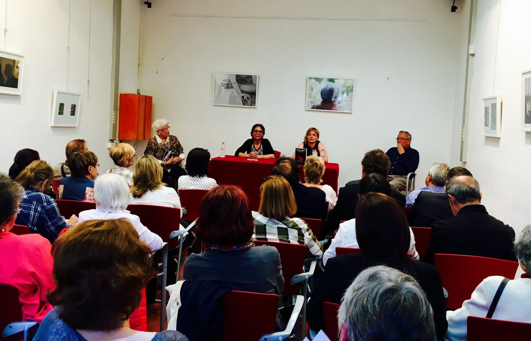Presentació Sota la catifa de Gervasi S. Sarrià al Centre Cívic Casa Sagnier